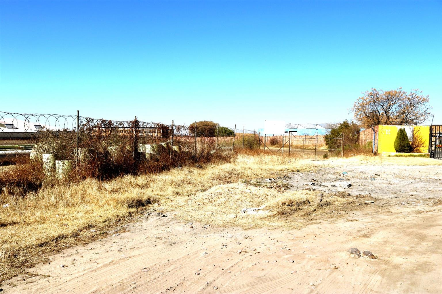 Commercial For Sale in Germiston South