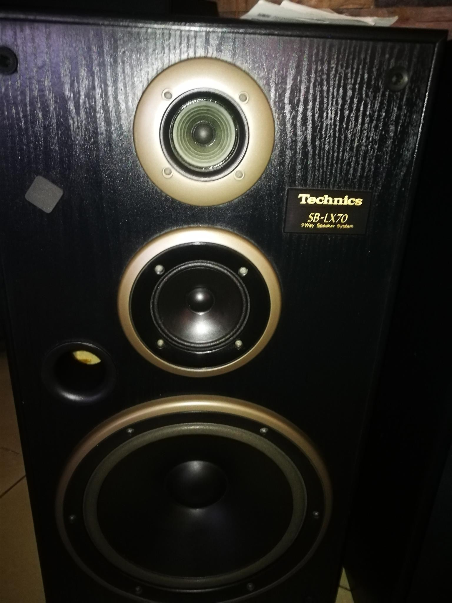 In search of Vintage audios (Amps and speakers), including loose speakers