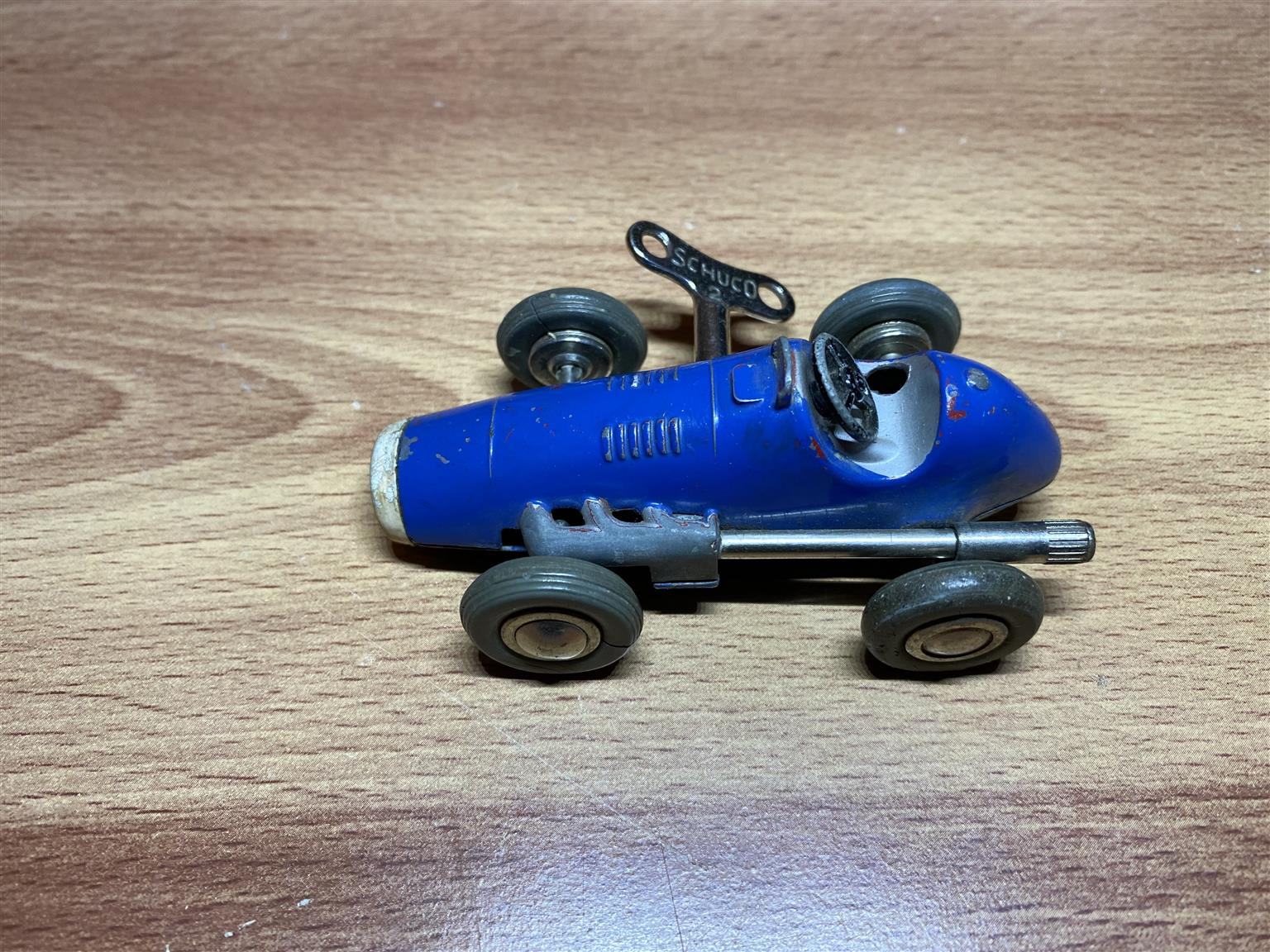 Schuco Micro Racer 1040 with key