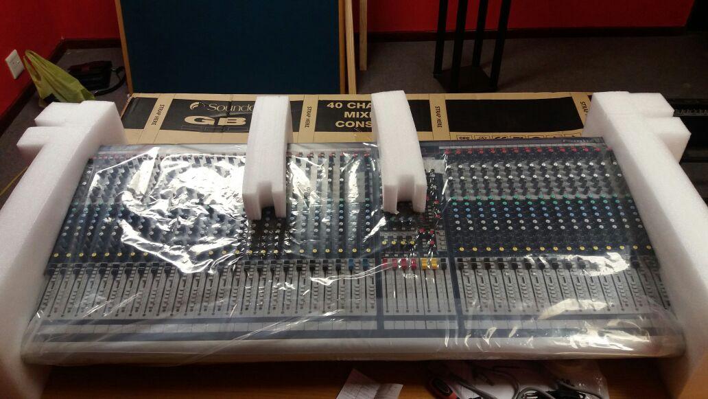 Gb4 40 analogue audio mixer