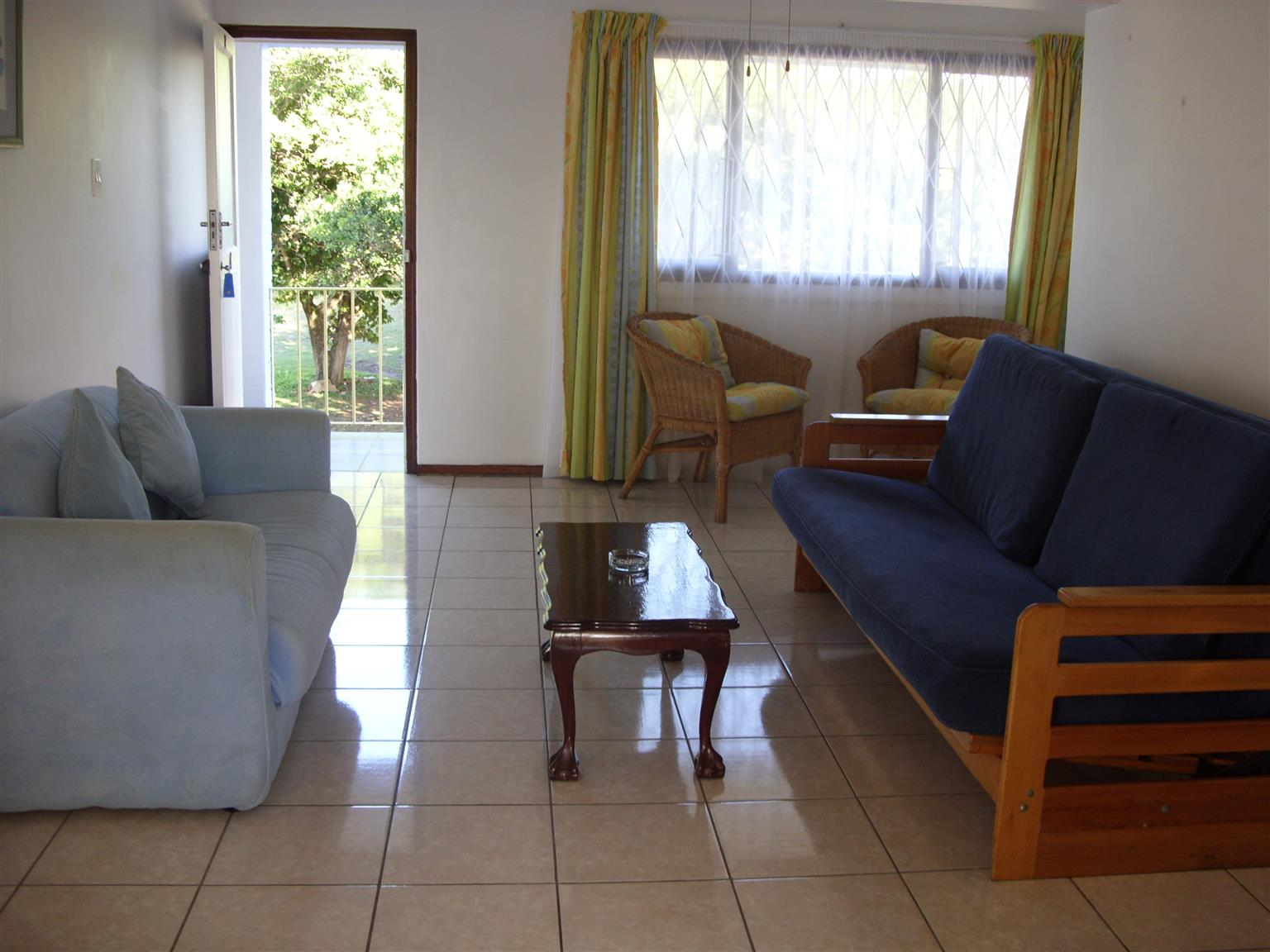 SHELLY BEACH FURNISHED 1 BEDROOM 1ST FLOOR FLAT IMMEDIATE OCC R4500 PM ST MICHAELS-ON-SEA UVONGO