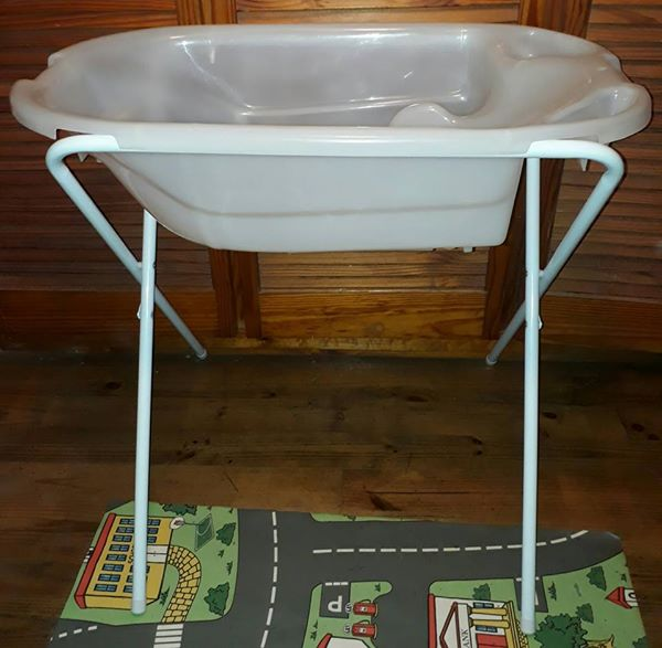 bath and stand | Junk Mail