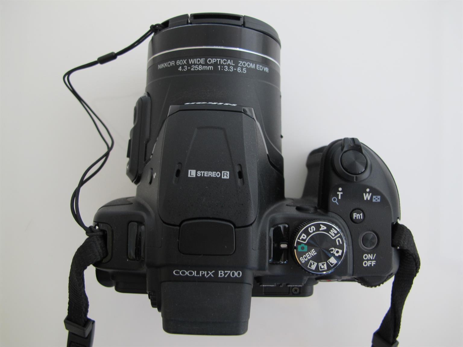 Nikon B700 Ultra Zoom 60x Bridge Camera LIKE NEW