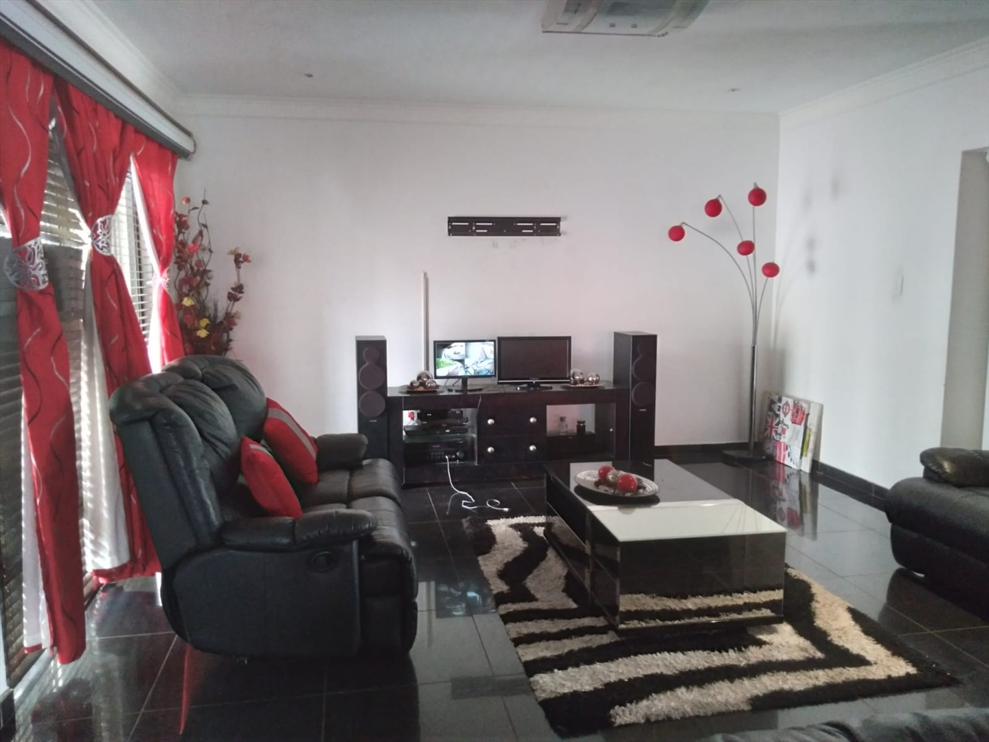 House For Sale in Drum Rock