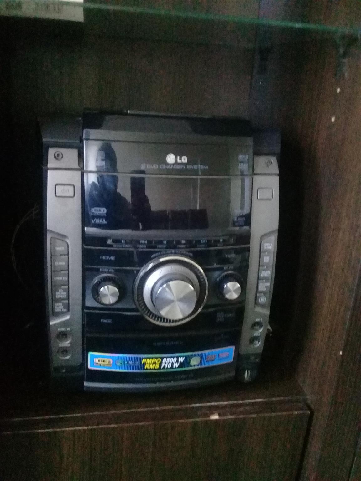 710 Watts RMS, USB Direct Recording, USB Plus 2.0, Karaoke, X-Metal Bass Speaker
