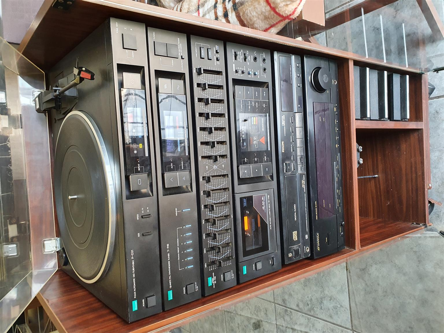 Sansui Hifi Component 6 Stack System and Cabinet (No Speakers)
