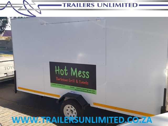 MOBILE CATERING TRAILERS. 3500MM UNIT. MOBILE KITCHEN.
