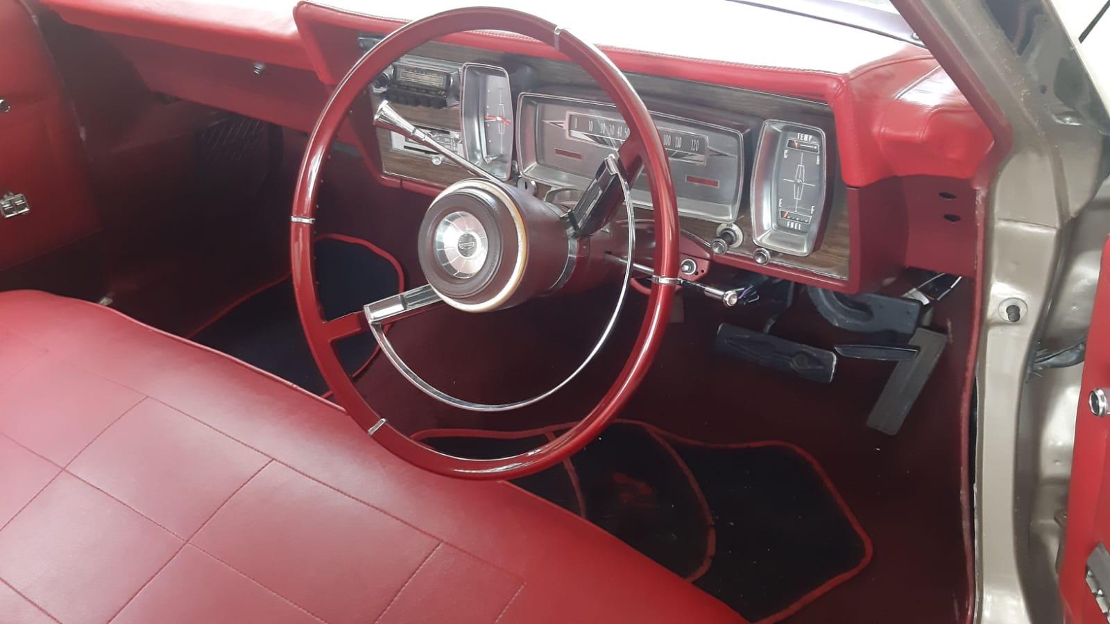 Ford Galaxie 500 (1967) - 6.4L V8 (390ci)