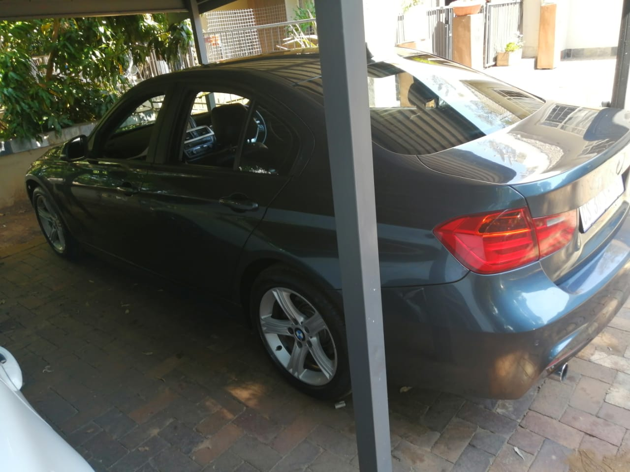 2013 BMW 3 Series sedan 320i M SPORT A/T (G20)