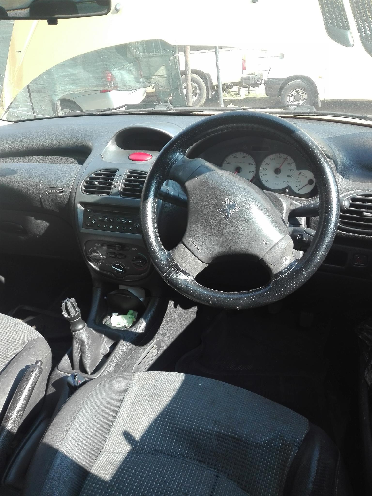 35f5dd4375fc 2004 Peugeot 206 1.4 16V XS Line