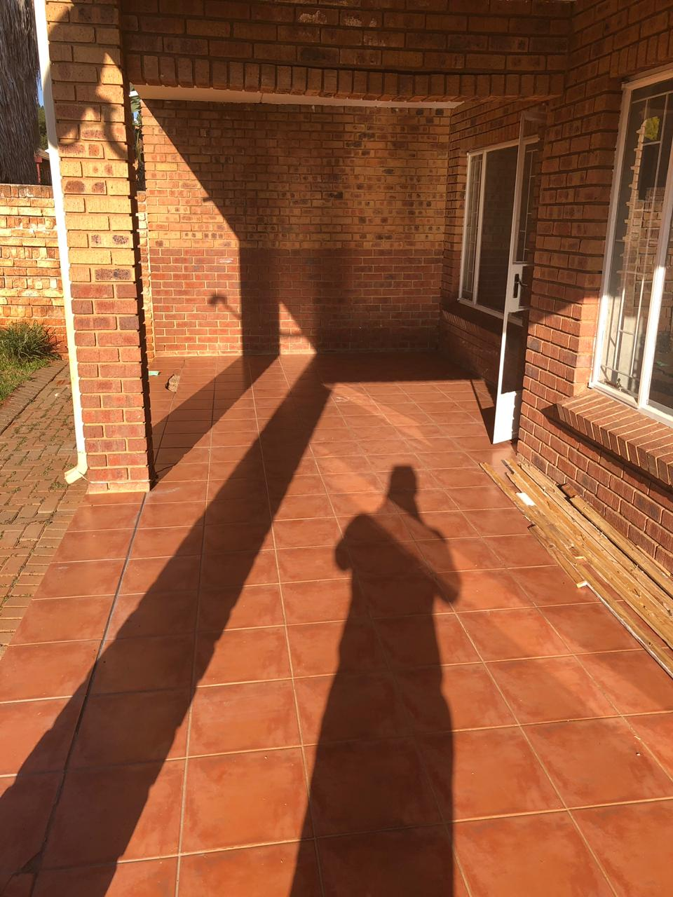 Townhouse to Let in Die Hoewes Centurion