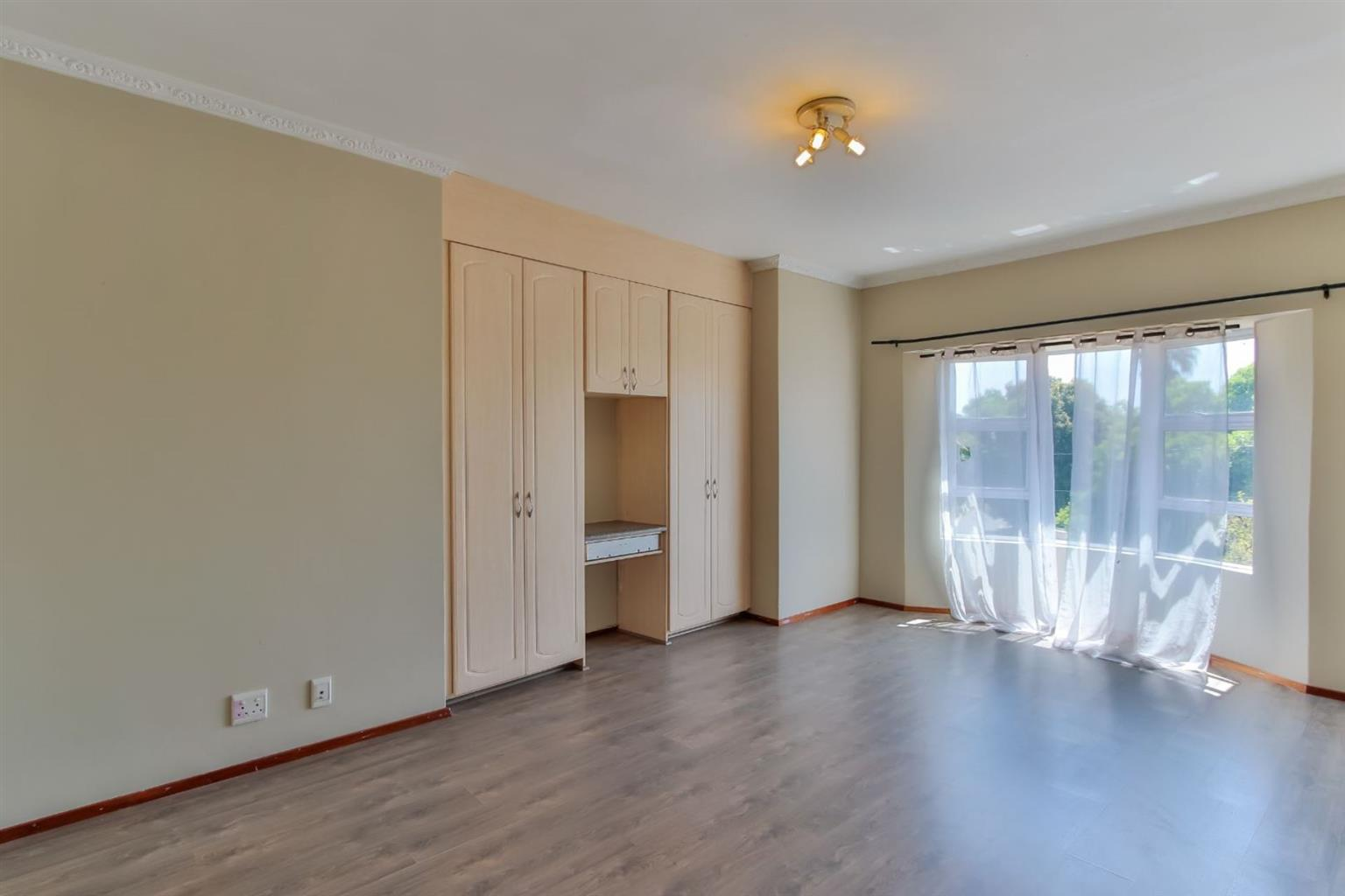 Townhouse Rental Monthly in GLENHAZEL