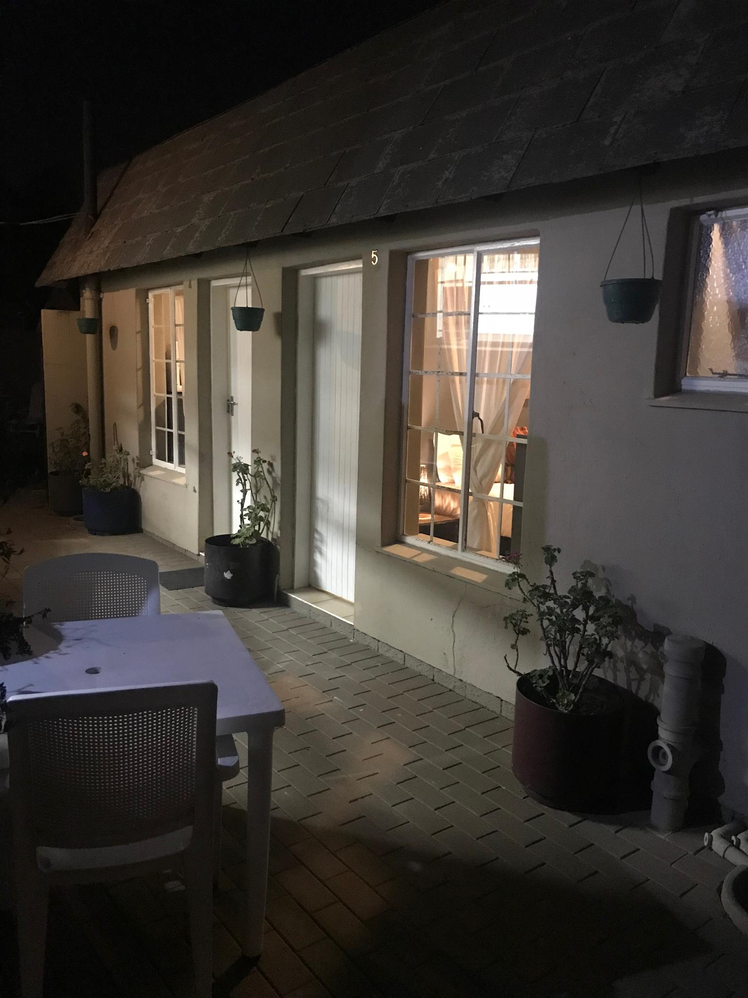 Garden room furnished, Birchleigh KemptonPark
