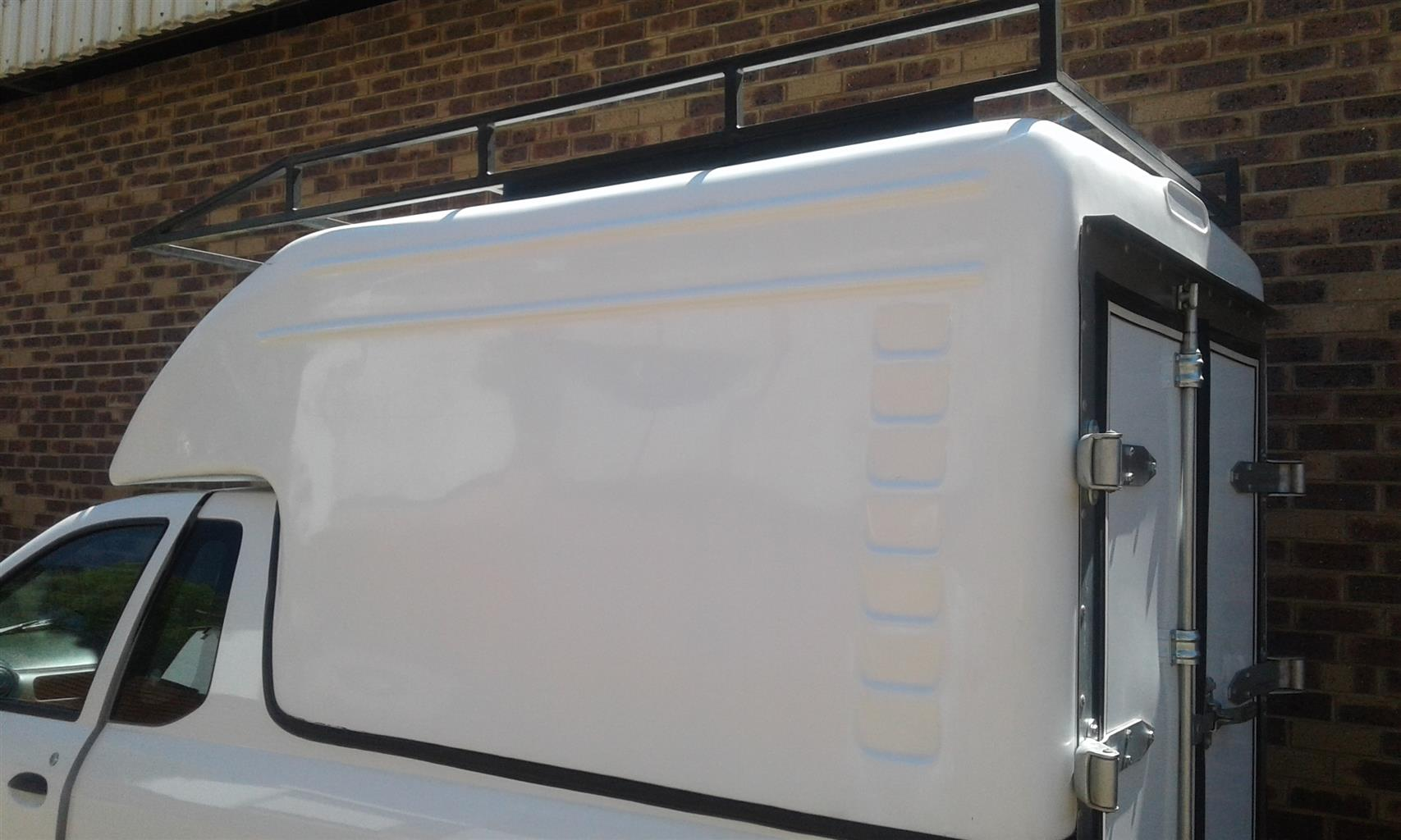 NP200 Canopy, immaculate conditions