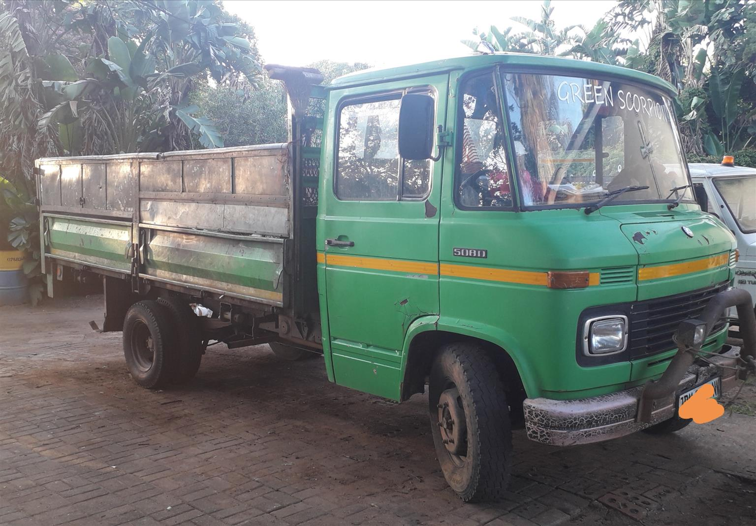 Mercedes 508D Truck
