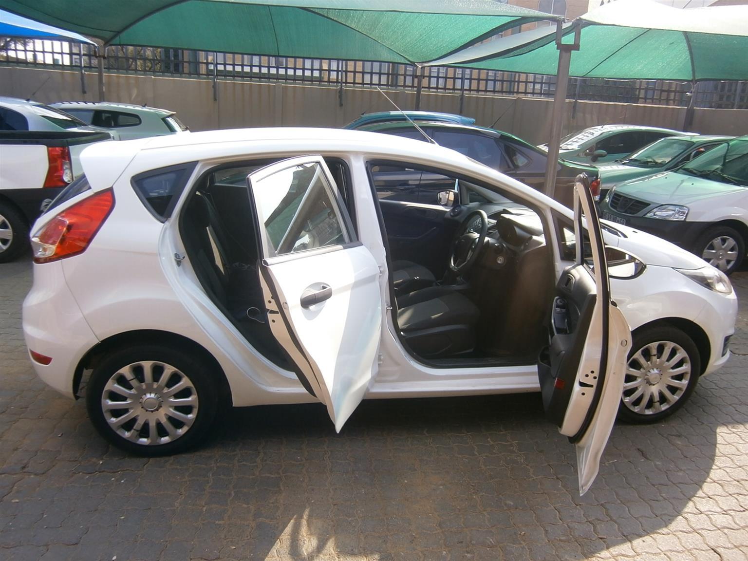 2017 Ford Fiesta 1.4 5 door Ambiente