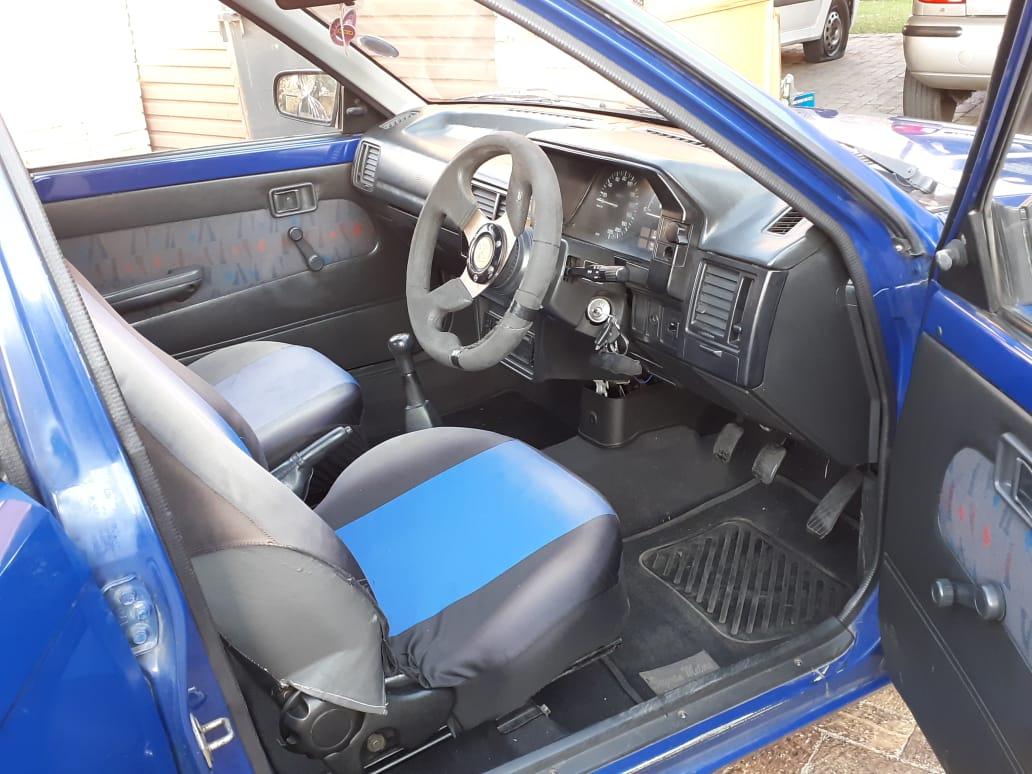 2002 Ford Laser
