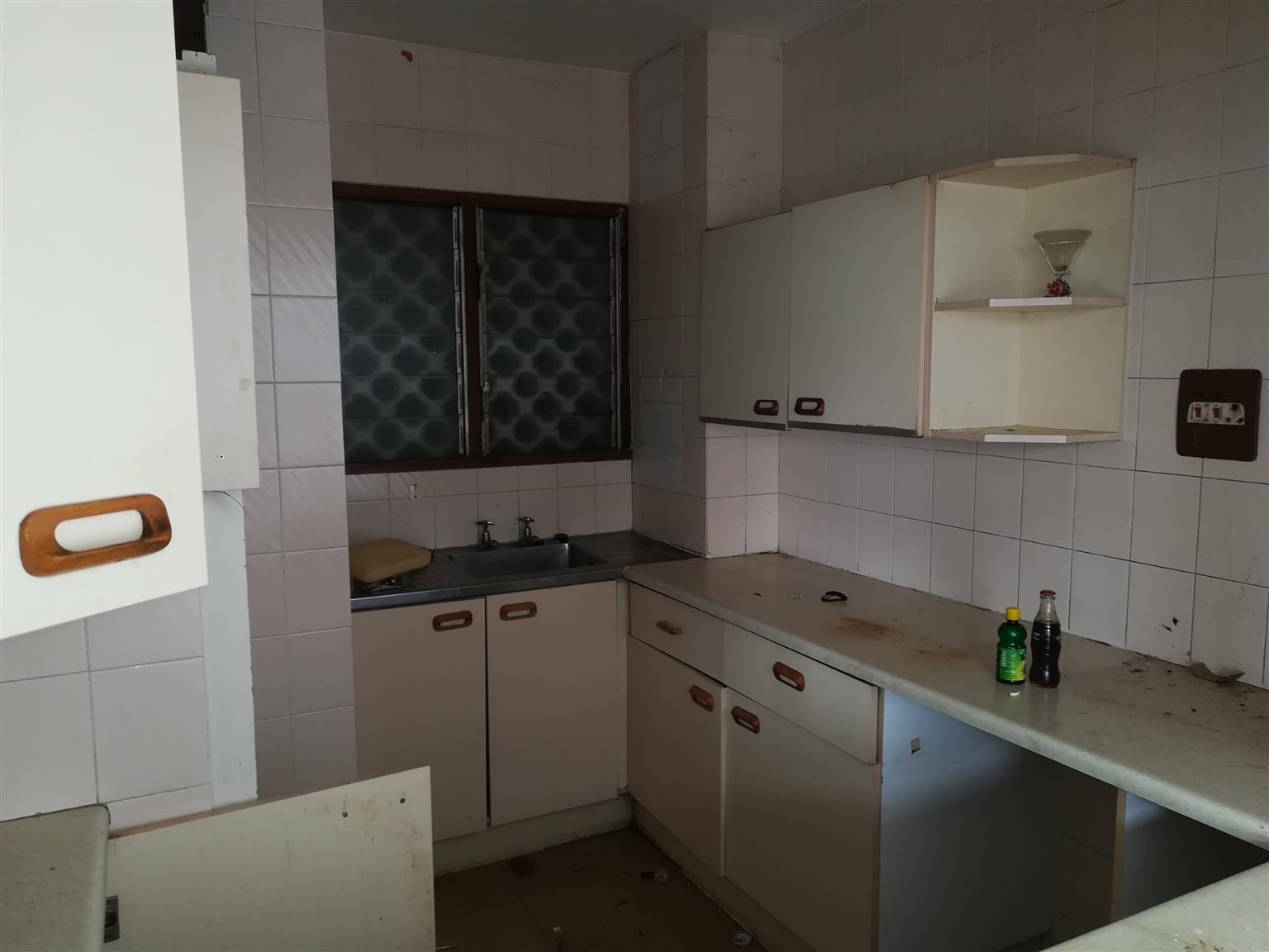 Two bedroom flat for sale in Durban No 2 Fenton Road (Haven Court) Flat no 1502