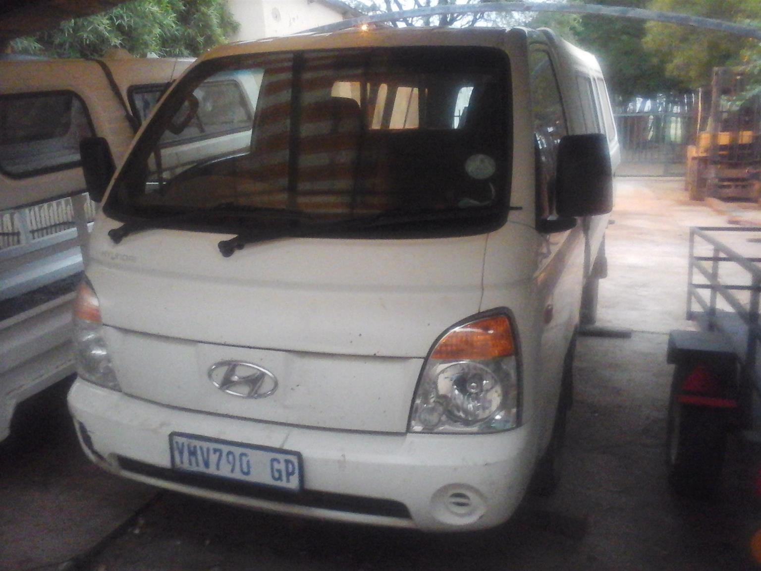 2002 Kia K2700