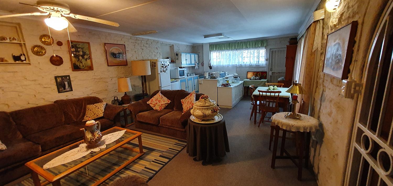 Muldersdrift R5-4Mil: 2 x houses + 1x  cottage, 21 Acres, river 2 x boreholes. Reduced price owner retires.