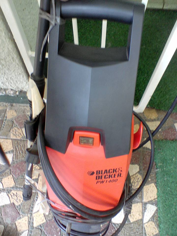 Black and Decker garden tool