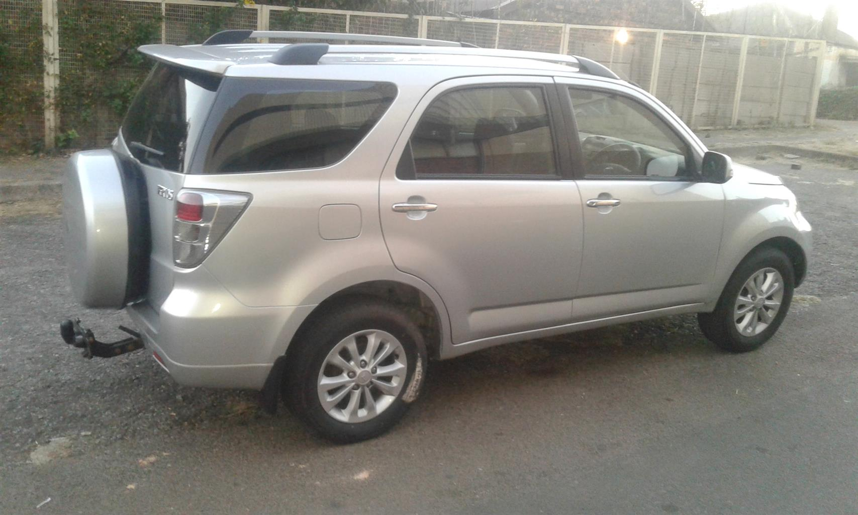 2012 Daihatsu Terios Long 1.5 7 seater automatic