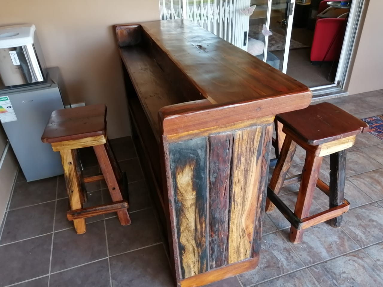 2m reguit bar, 4stoele - 2m straight bar and 4 chairs 4500