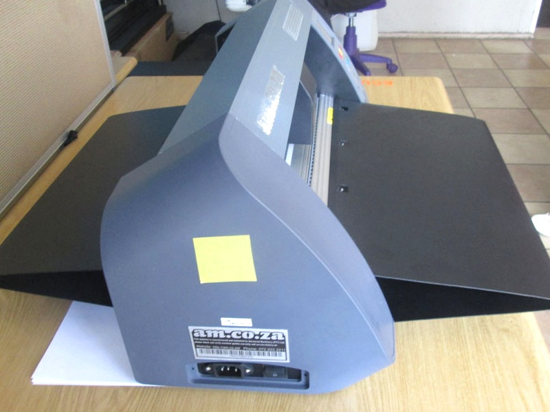 V3-1667B V-Smart Contour Cutting Vinyl Cutter 1660mm Working Area, Stand & Collection