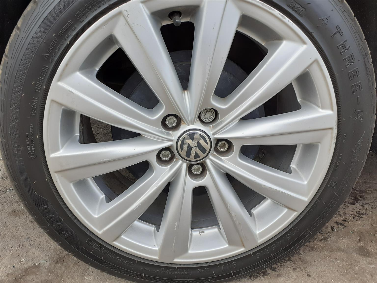 Looking for 1 rim (16 Inch) for (2019 Polo)
