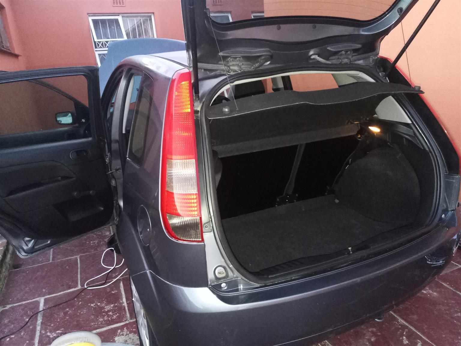 2004 Ford Fiesta 1.4i 5 door