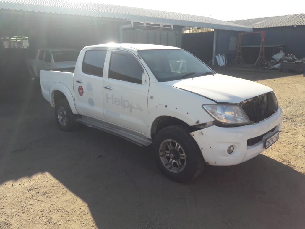 2009 Toyota Hilux 2.7 VVTI Stripping For Spares