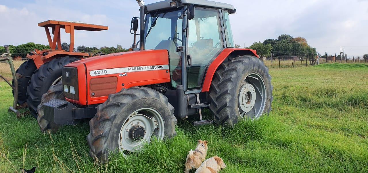 2001 Massey Ferguson 4270 Tractor 4x4