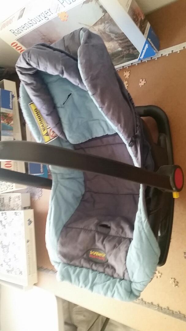 Baby/Toddler car seat/carrier