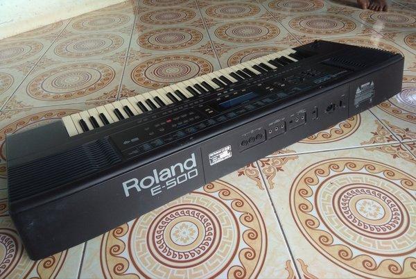 Roland E500 KEYBOARD