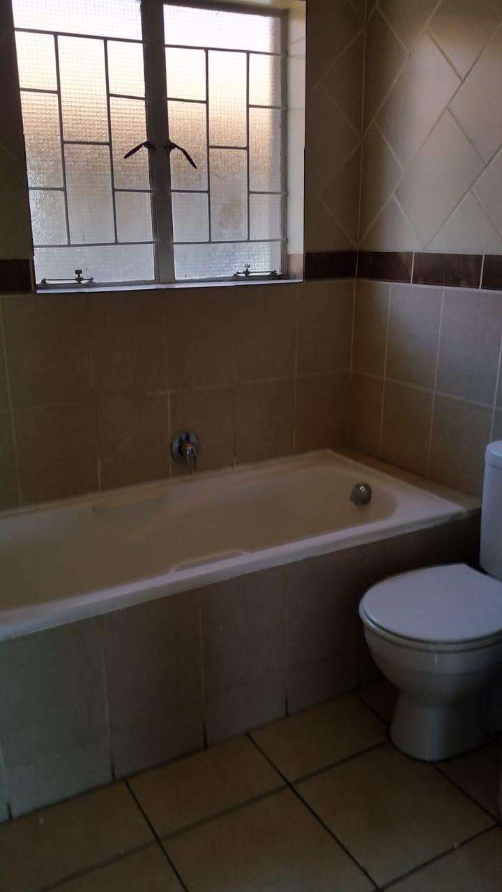 2 Bedroom Simpleks in Pretoria North to rent