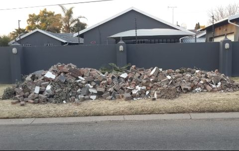 We do rubble removal ... house hold waste.. builders rubble ..et.c