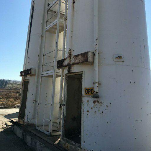 2x100 Ton silos for sale