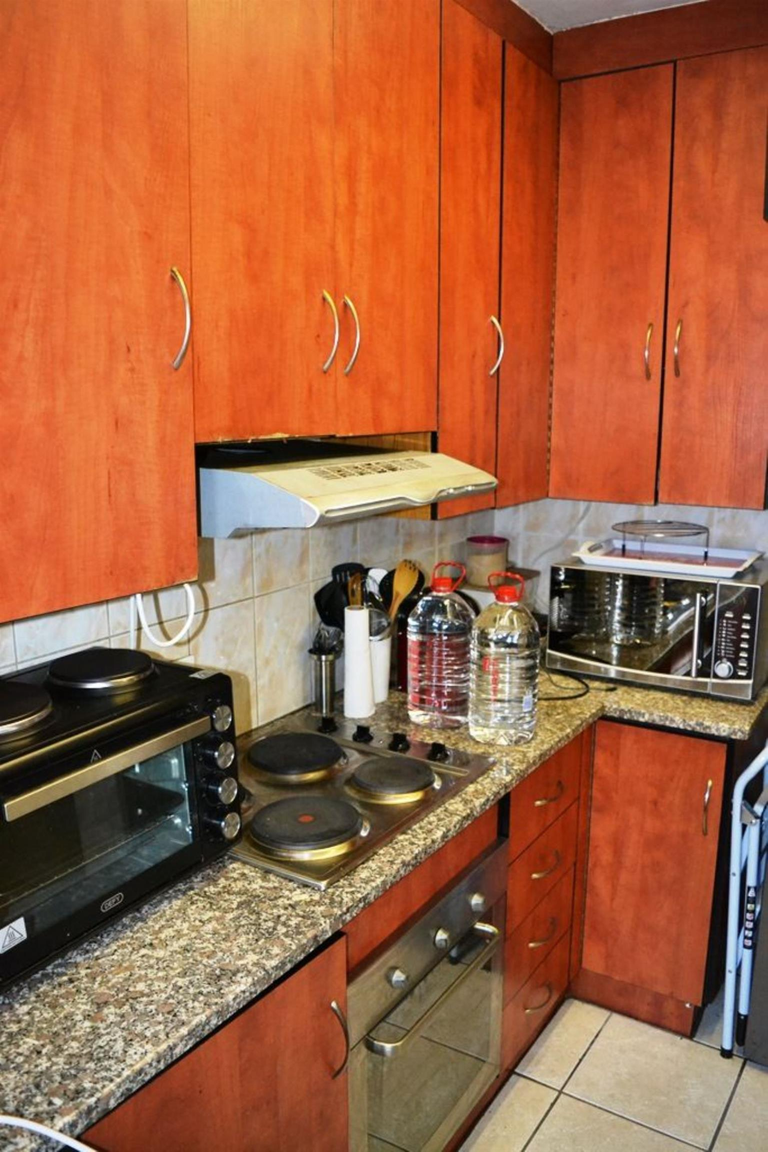 Townhouse Rental Monthly in QUEENSWOOD