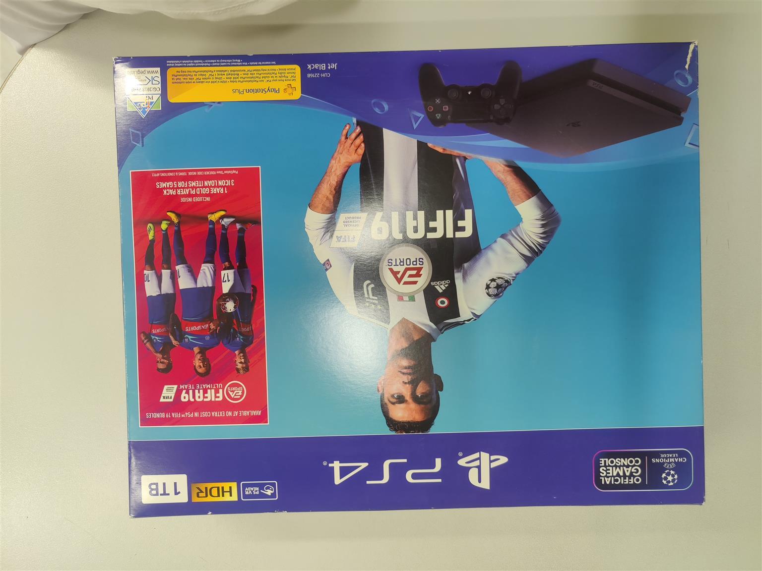 Ps4 1tb slim fifa 19 bundle brand new in the box