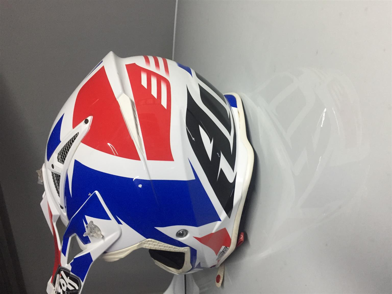 Airoh Helmet For Sale. Like New, hardly used.
