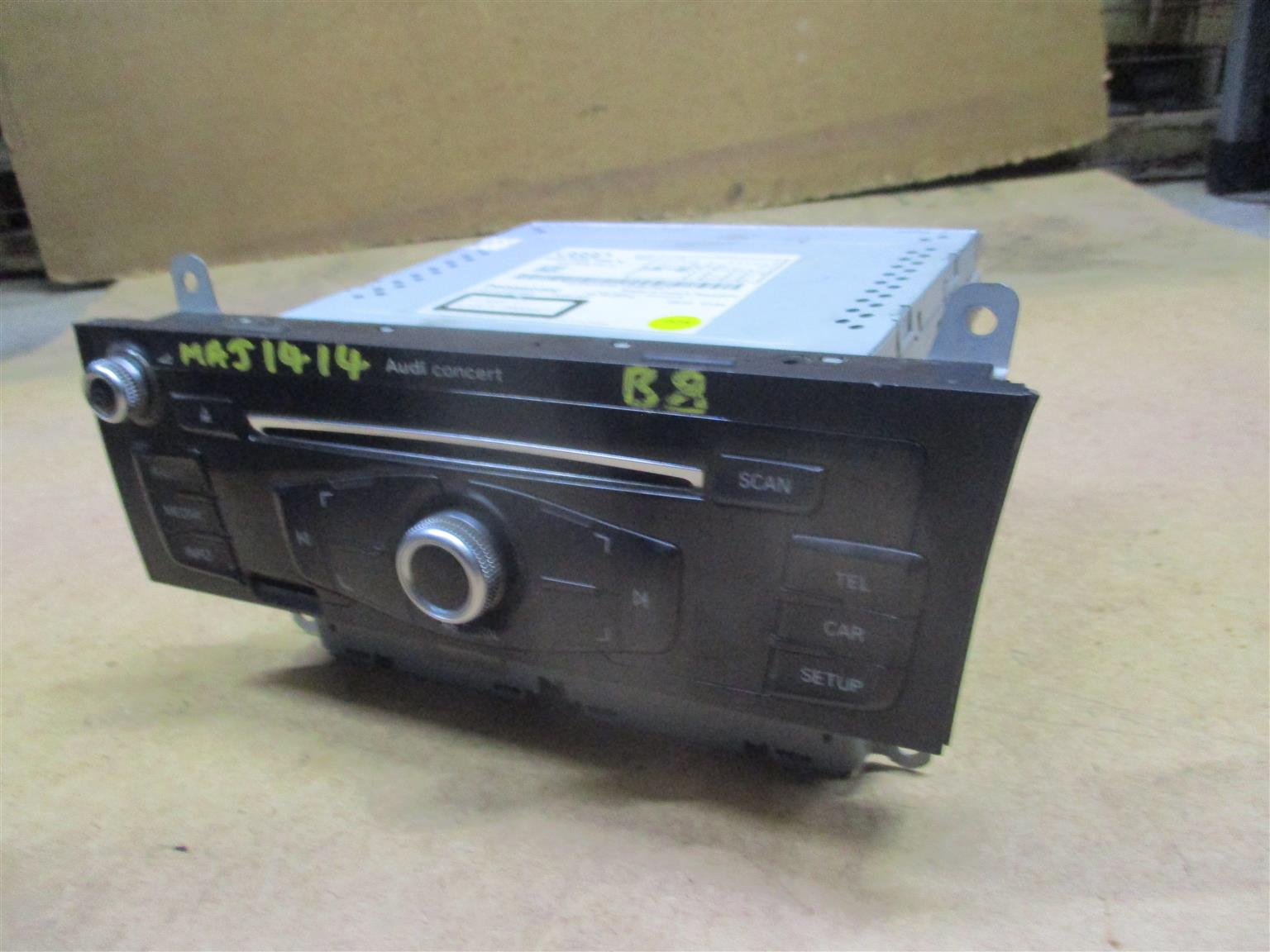 AUDI B8 CAR RADIO