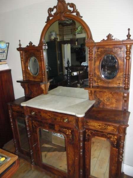 Antique and secondhand furniture shop for sale