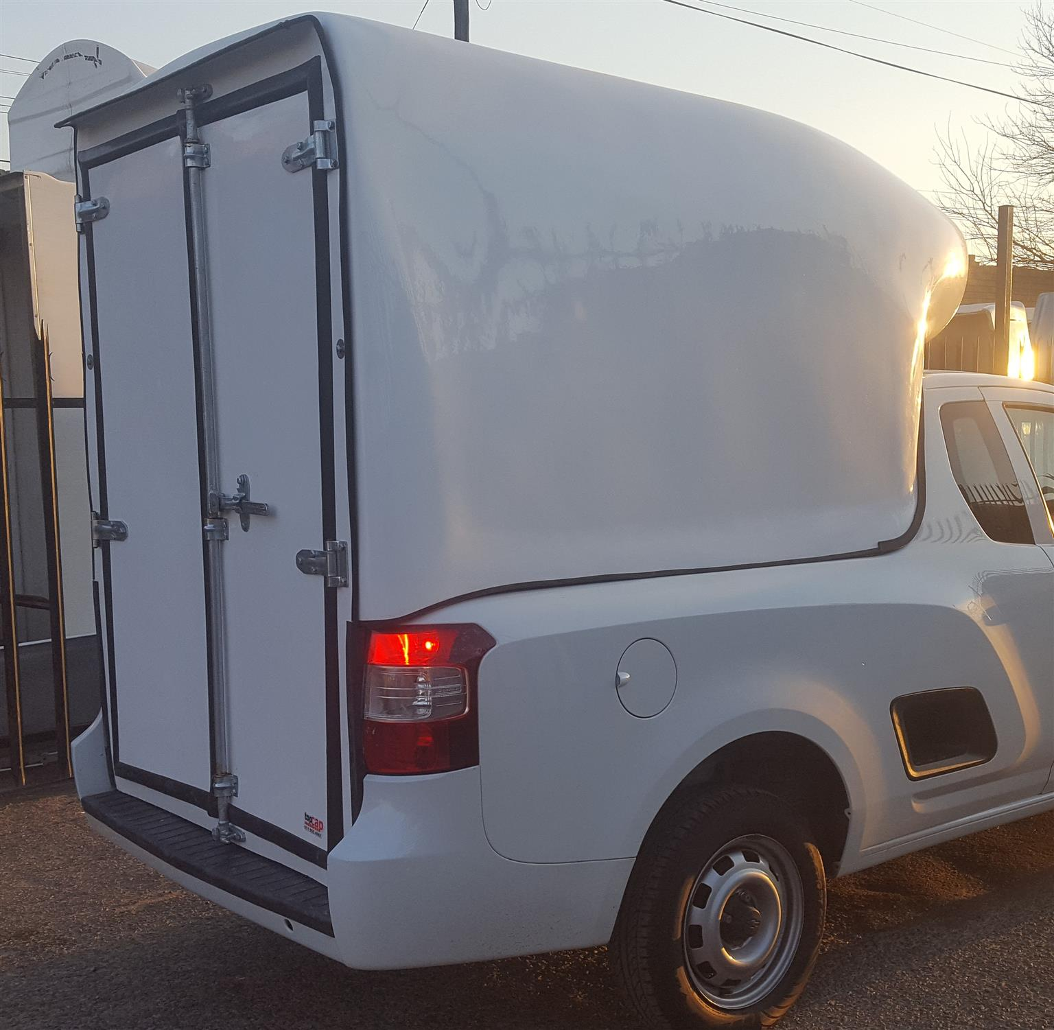 BRAND NEW CHEVROLET UTILITY HI VOLUME S/SAVER COURIER BAKKIE CANOPY FOR SALES!
