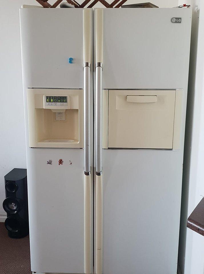 Lg fridge/freezer