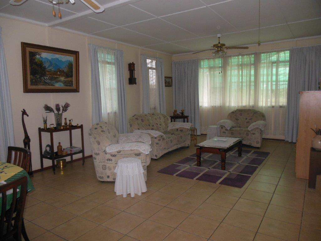 Lovely 3 bedroomed house