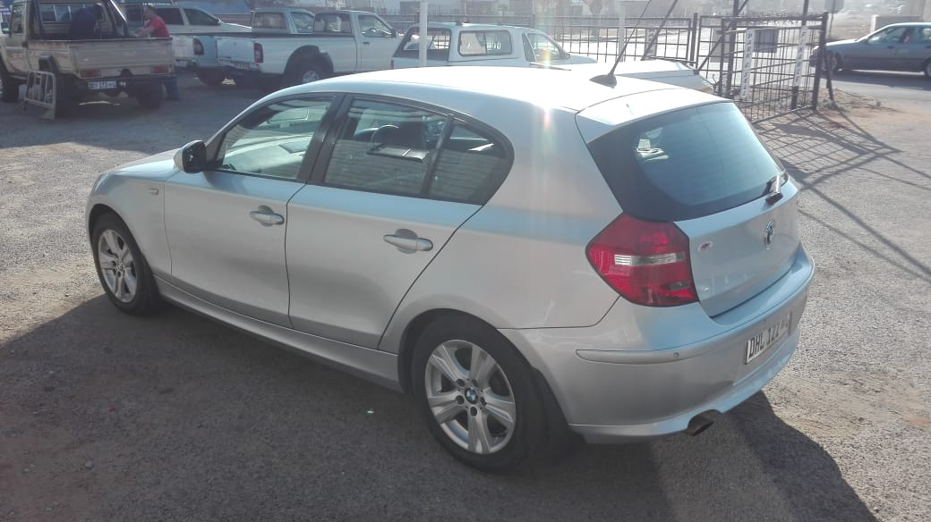 2011 BMW 1 Series 118i 5 door