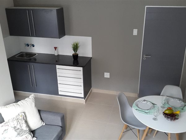 Flat to rent in PTA Arcadia & Sunnyside from 1 November ...