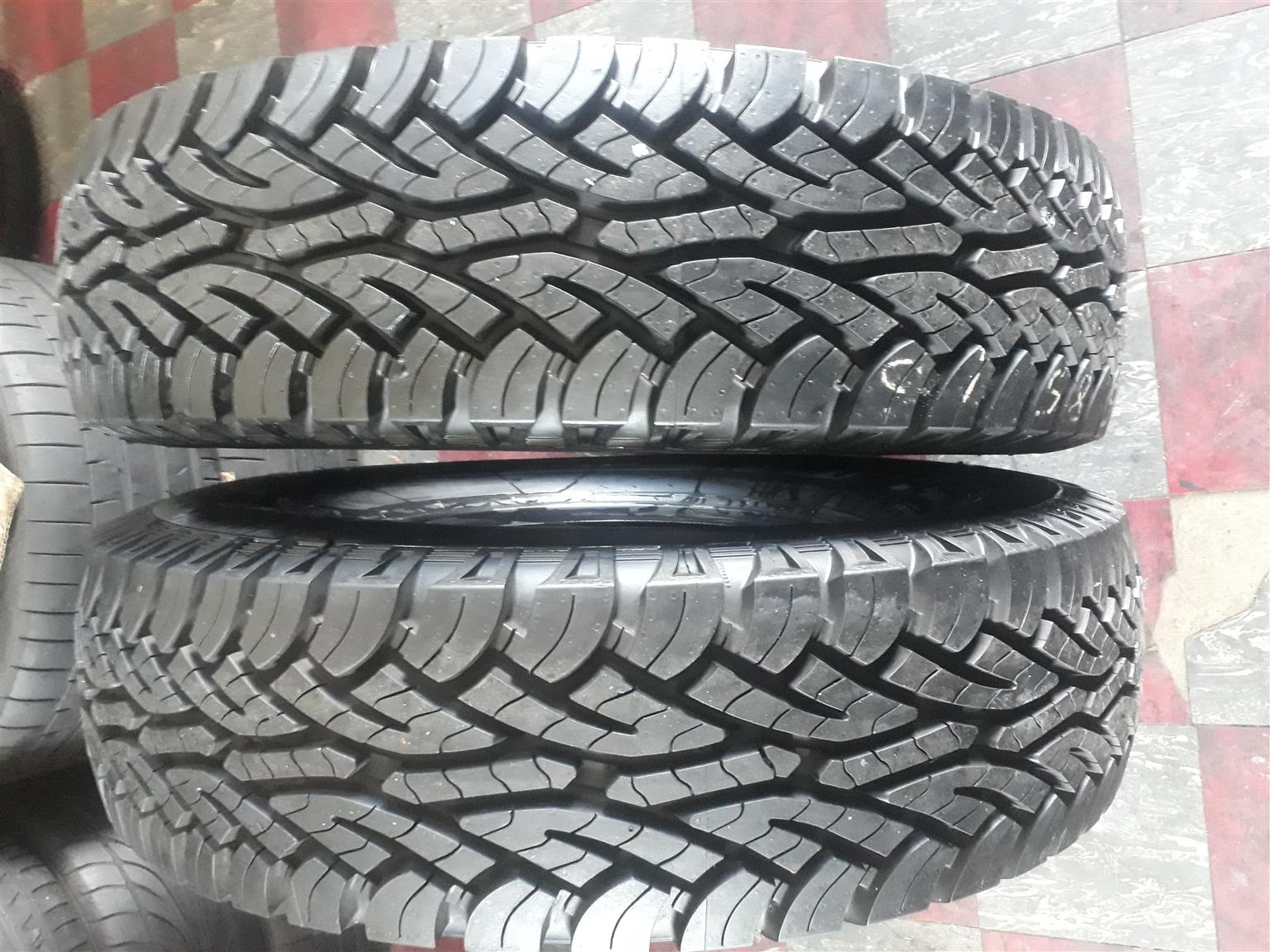 2 x 235/85/16C Continental cross contact tyres for Landcruser
