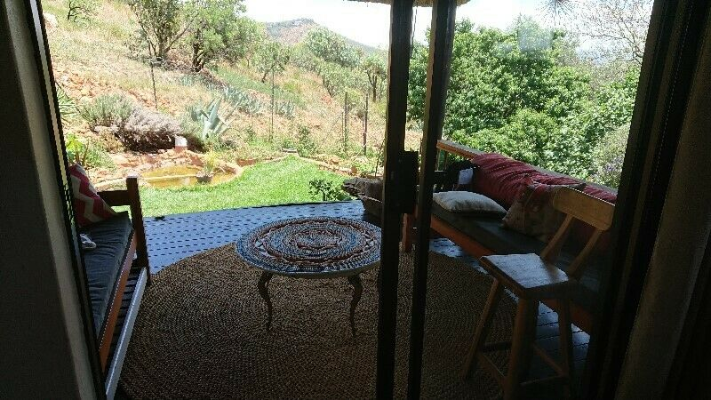 Very spacious and secure 4-bedroom house, in a private estate, on the Little Falls mountain ridge