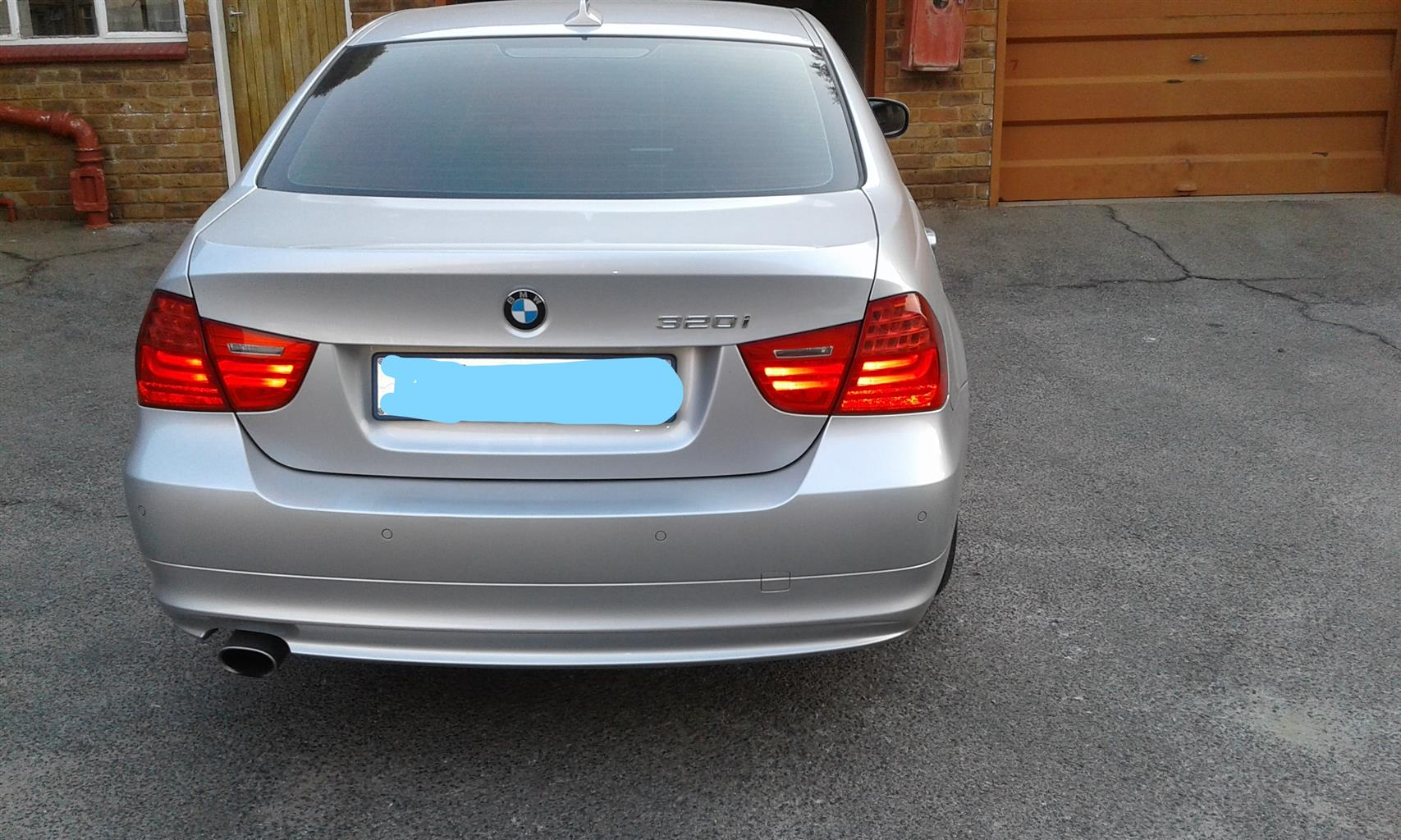2011 BMW 3 Series 320i Touring Exclusive